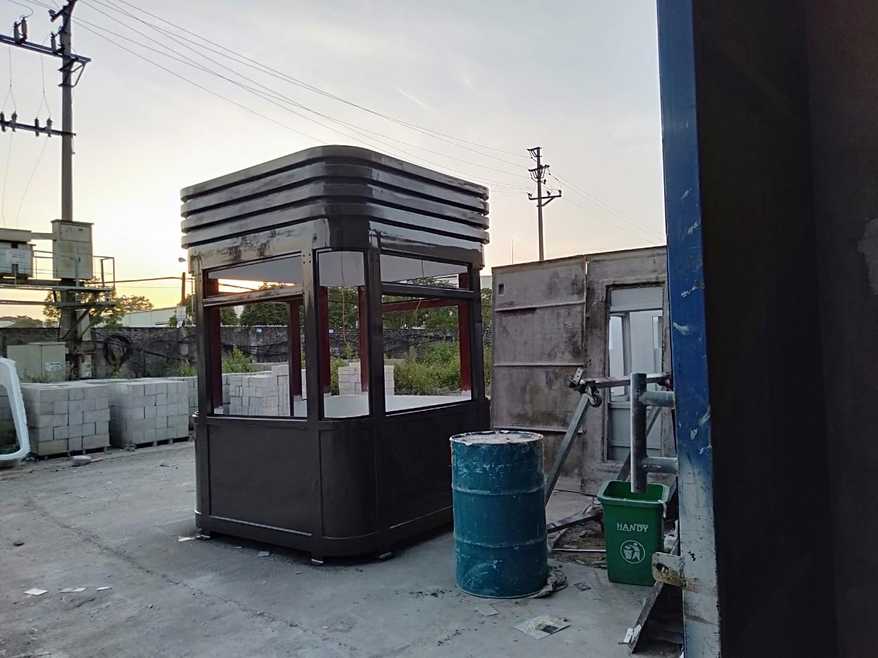 Bốt bảo vệ khung thép, nội thất composite